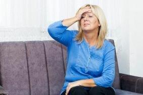Медикаментозное и народное лечение приливов климакса