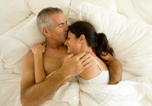 Зрелые женщины и мужчины секс с видео