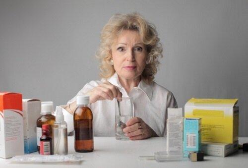 Самостоятельный прием медикаментов